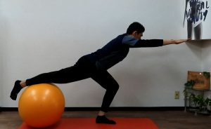 片脚スクワット バランス、下半身の強化